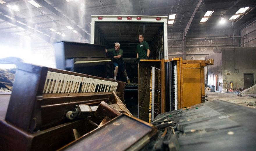 Luna's Piano Moving & Storage - Piano Removal, Piano Disposal, Piano Trashin, Junk Hauling, Piano Hauling, Piano donation