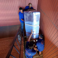 Los Angeles Piano Moving Company. Moving a piano down a flight of stairs