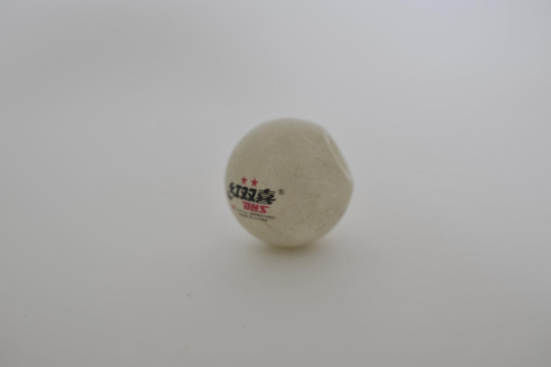 64. pallina da ping pong ammaccata