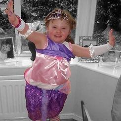 little-girl-dressing-up