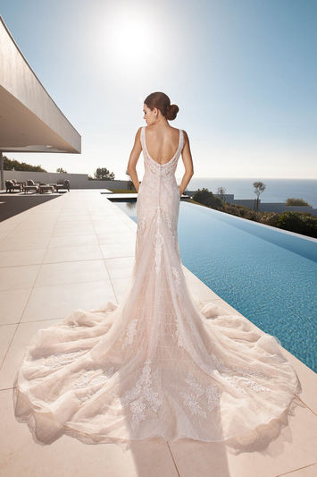 Pu-21507-02566-Tres-Chic-Bridal-Lucy-Back-Wedding-Dress-Hythe