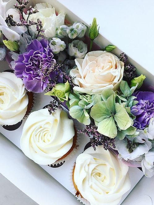 Cupcakes 3st + bloem boeket