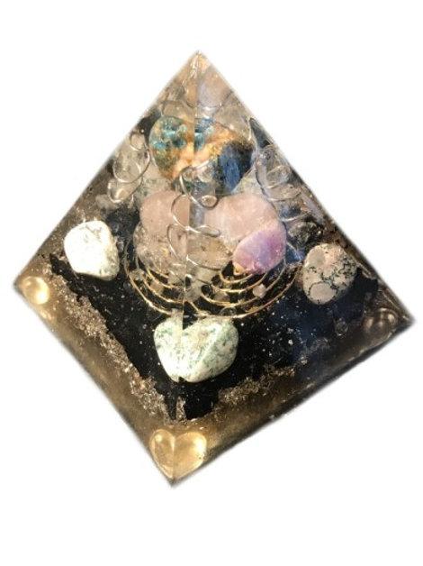 """Orgonite piramide """"Peace"""" met Mosagaat, Apatiet en Zwarte Toermalijn"""