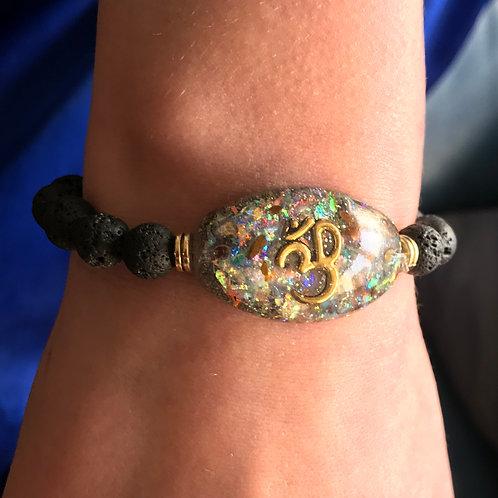 Orgonite armband met lavastenen kralen