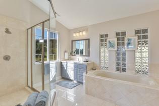 BathroomMaster4.jpg