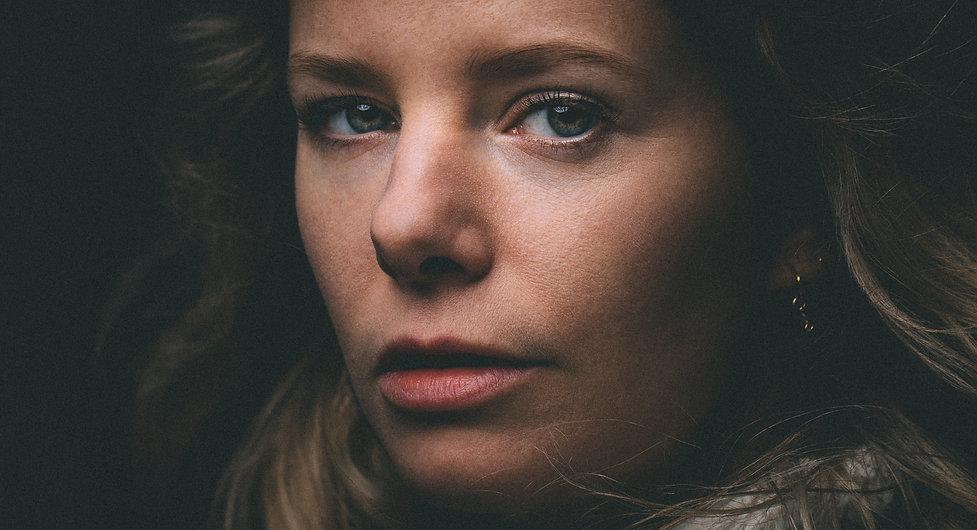 Portretfotograaf Amsterdam Willem Martinot fotografeerde actrice Eva Heijnen.