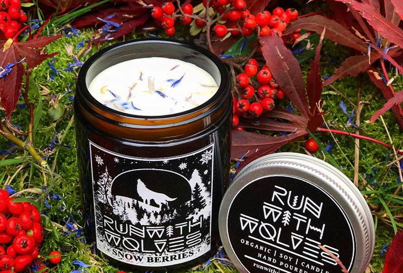 Snow Berries Soy Wax Candle 180ml - Run With Wolves