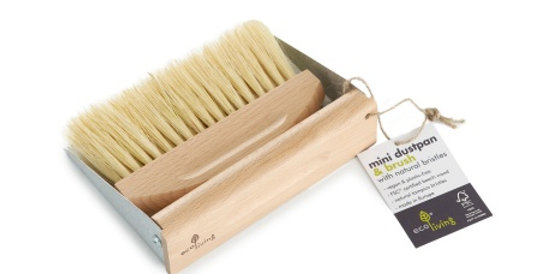 Mini Dust Pan & Brush Set With Magnets - Eco Living