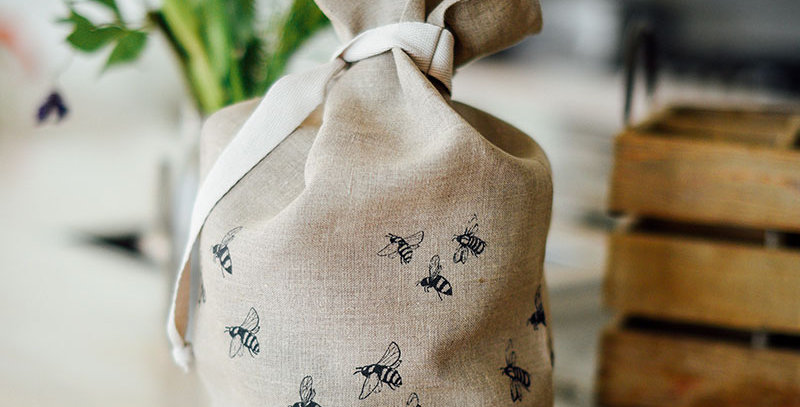 Pure Linen Bread Bag Bees - Helen Round