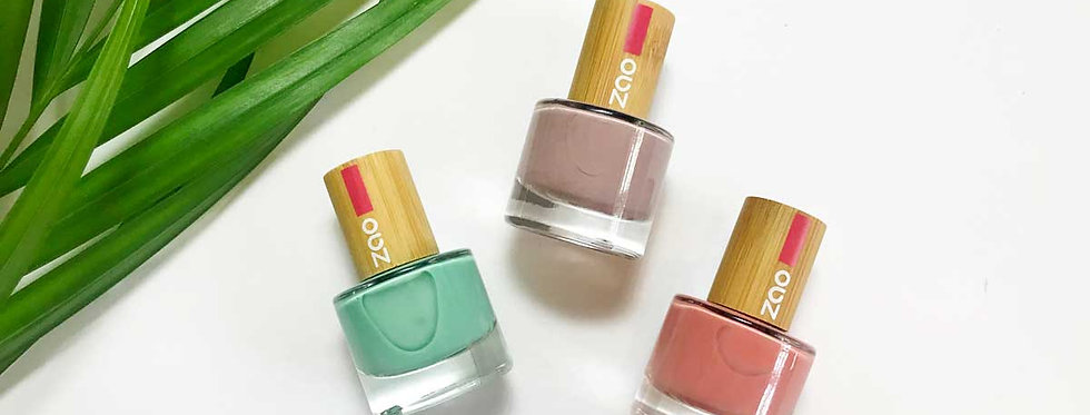 Light Nail Varnish - Zao Makeup