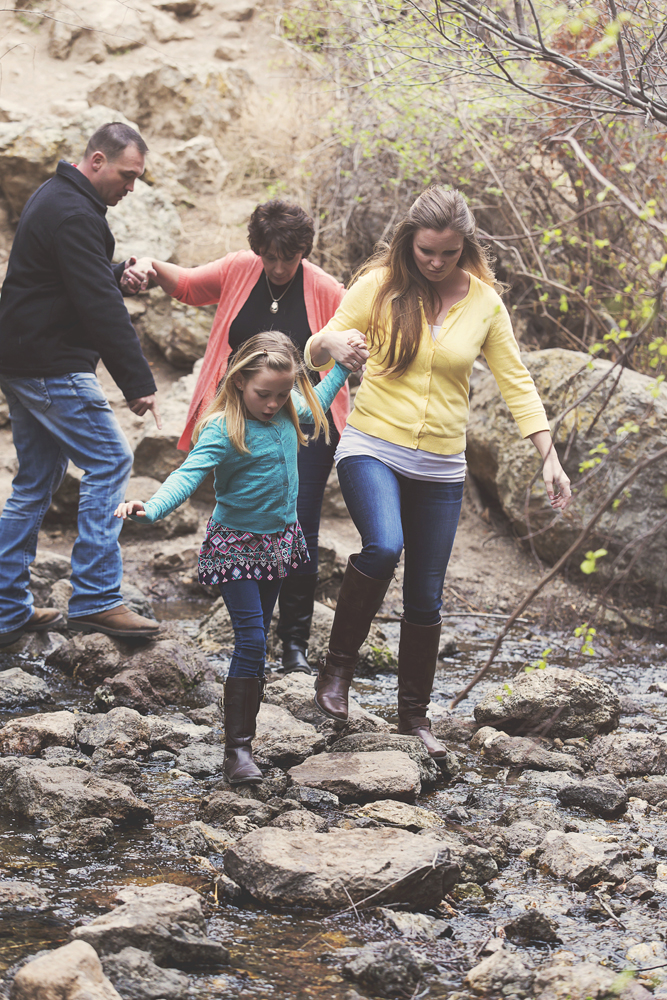 family-in-the-mountains