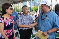 Chairman, Joel Biggs Greets Governor of Hawaii