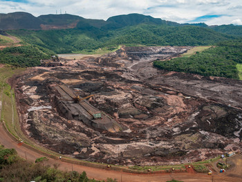 Empresa contratada para fiscalizar barragens prestou serviço para mineradoras que precisa fiscalizar