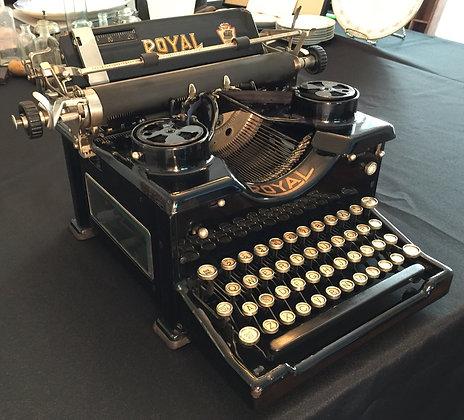 Vintage Royal Typewriter, c. 1924.