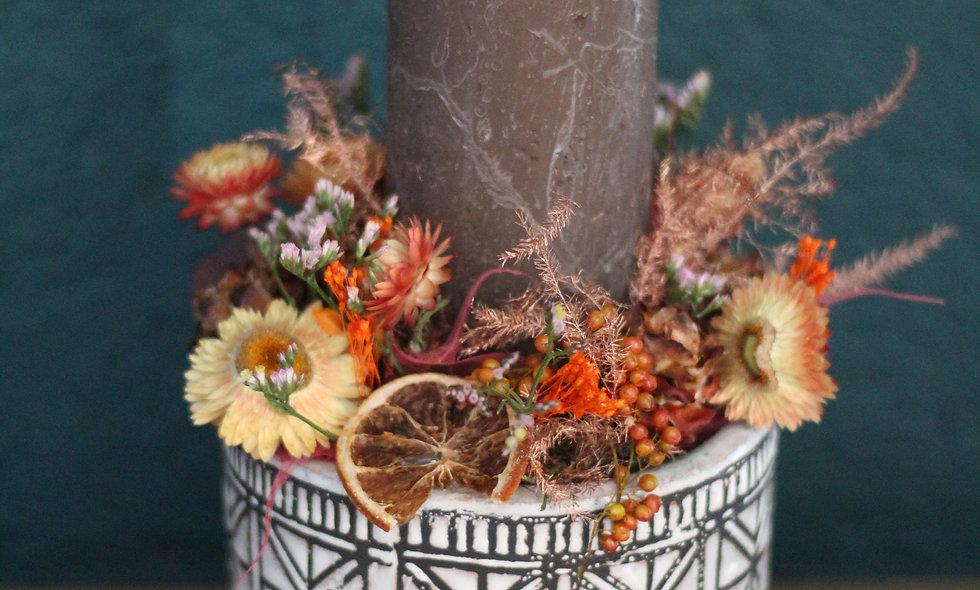 Arrangement fleurs séchées et bougie