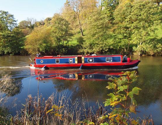 Narrow boat on the Avon near Saltford Bath