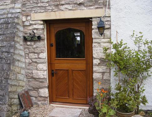 Diagonal panelled stable door