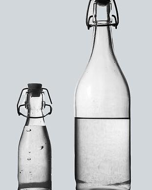 water-bottle-2001912_1920 (1)_edited.jpg