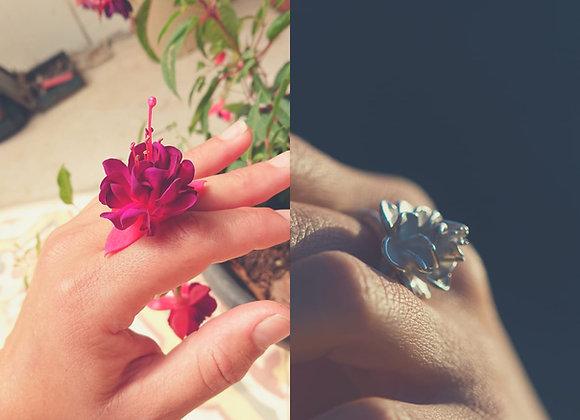 טבעת פרח פוקסיה עבודת יד מכסף