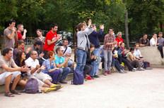 Le public se lève pour les nouveaux cham