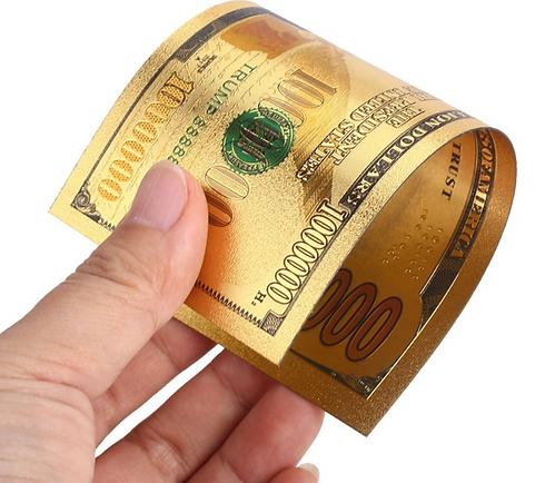 Trump$1000000BillInHand.PNG