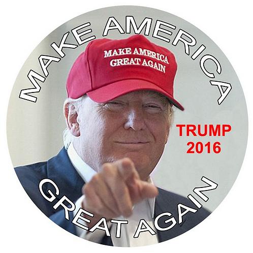 """""""Make America Great Again: Trump 2016"""" metal button (diameter: 3"""")"""