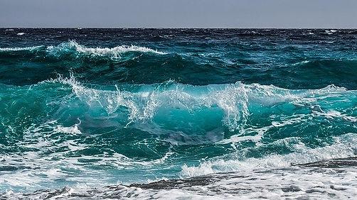 wave-3473335_640.jpg