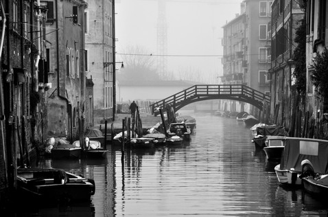 Venice_pont_homme.jpg