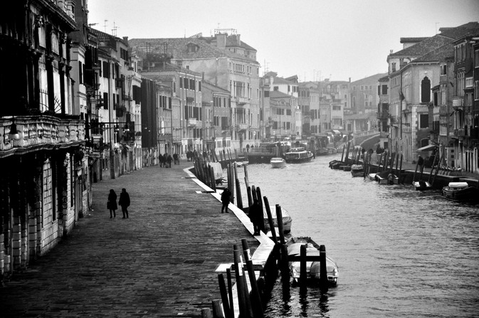 Venice_quais_couple.jpg