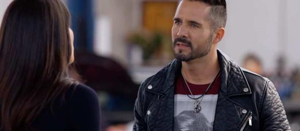 """""""Z miłości do dziecka"""" – Odcinki 6-10: Pedro wyznaje Elenie swoje uczucia"""
