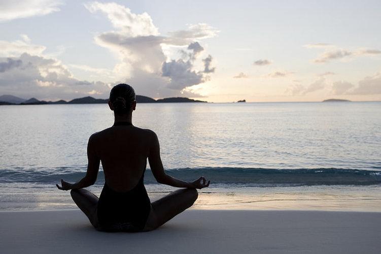 women-sea-beach-yoga-wallpaper-preview.j