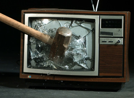 ¿Romper el televisor?