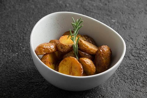 Печенный картофель с чесноком и розмарином