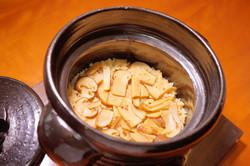 松茸の土鍋御飯
