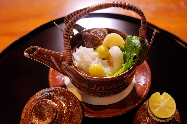 松茸と鱧の土瓶蒸し