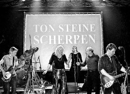 800px-2005_Ton_Steine_Scherben_Family_(L