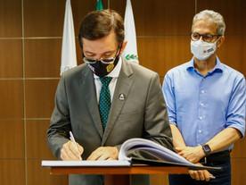 Zema cobra fim da arapongagem no governo ao novo chefe de Polícia