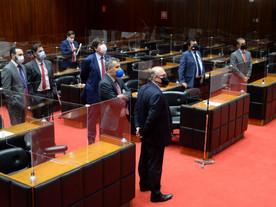 Trapalhada deixa Zema sem bloco parlamentar e ameaça até secretário
