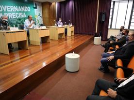 CDL/BH cobra abertura de leitos e do hospital de campanha contra pandemia
