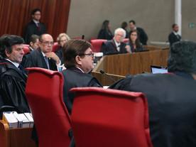 STJ adia julgamento da Chapa Dilma-Temer