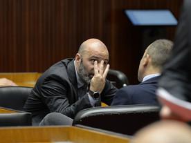 """Após crítica, líder de Zema na Assembleia diz que tem """"nojo"""" do Partido Novo"""