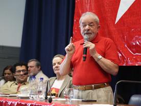 Líderes da oposição tentam adiar, mas não controlam atos contra Bolsonaro