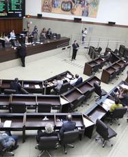 Aliados de Bolsonaro e Zema se unem contra Kalil e armam duas CPIs na Câmara de BH
