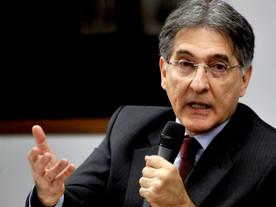 """Pimentel reage à condenação: """"sentença absurda e insustentável"""""""