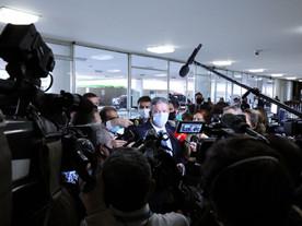 Com ajuda do Centrão, Bolsonaro, blindados e retrocesso são derrotados