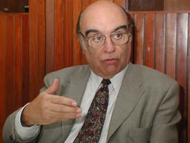 Bonifácio Andrada é sepultado após 60 anos de mandatos políticos