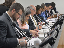 Zema prorroga aumento de imposto por ajuste fiscal e contraria o Novo