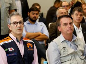 Zema quer apoio de Bolsonaro em 2022 mesmo com risco à democracia