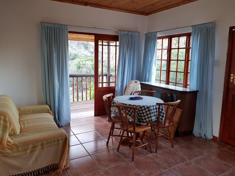 Stone Cottage Lounge and Balconey