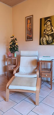Stuhl mit CTG-Gerät